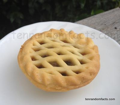 Fruit Minced Pie, Mutton Pie, Christmas Pie, Criss-Cross pattern, circular, Ten Random Facts
