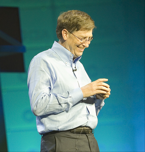 Bill Gates, Man, Old, Billionare, Happy, smile, Look Down, Flickr, Microsoft, Ten Random Facts, Flickr