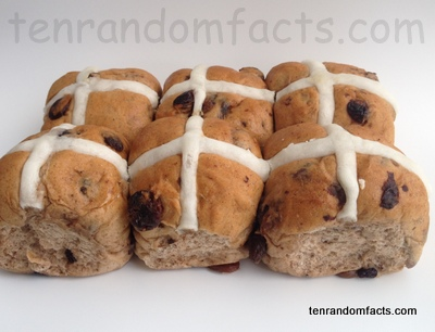 Hot Cross Buns, Easter, Good Friday, Half a Dozen, Brown, White, Traditional, Ten Random Facts, Food