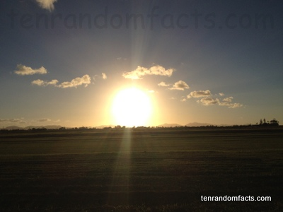 Sun, Bright, Sunset, Earth, Scenery, Centre, Ten Random Facts