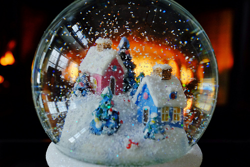 Snow Globe, House, Novelty, Invention, Trivia, Ten Random Facts, Cottage, Glass
