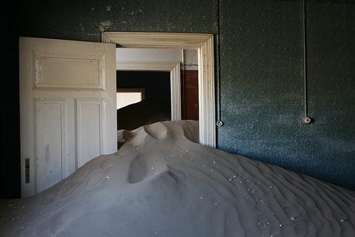 Kolmanskop, Trivia, Ten Random Facts, Place, Africa, Desert, Abandoned, Sandy, Dune, Inside, Ghostly, Eerie